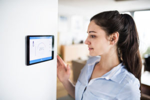 Pasterkamp smart home thermostat women